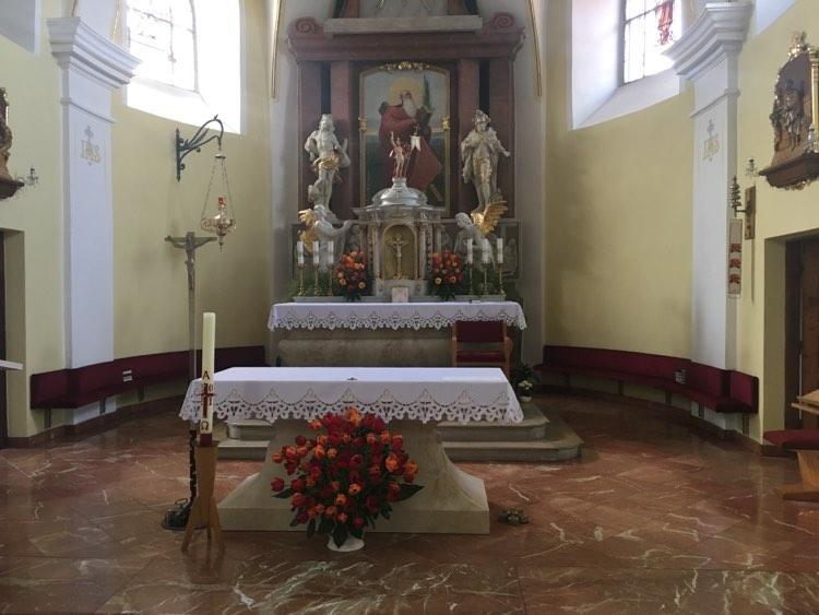 Bohoslužby bez místenek