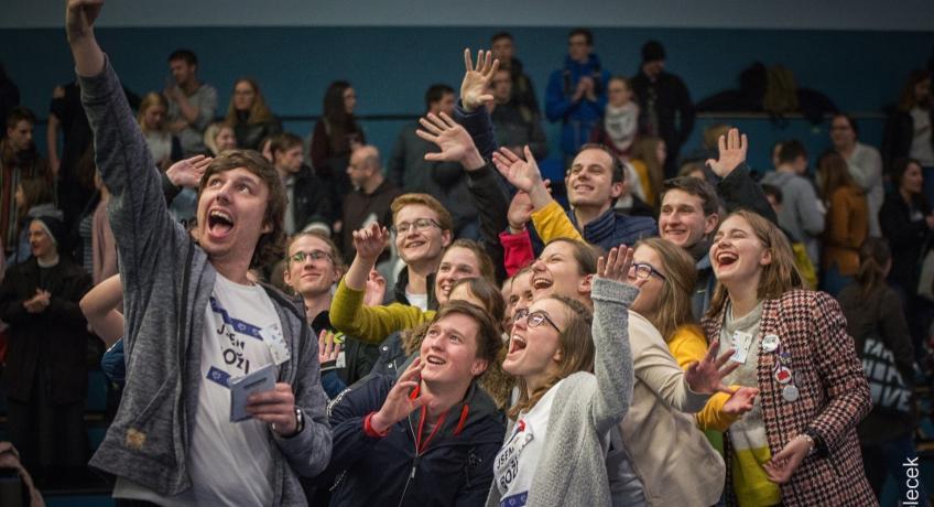 Mladí v naší arcidiecézi se letos setkají on-line