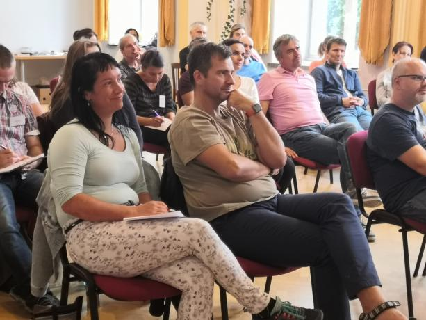 Kurzy a přednášky pro dospělé