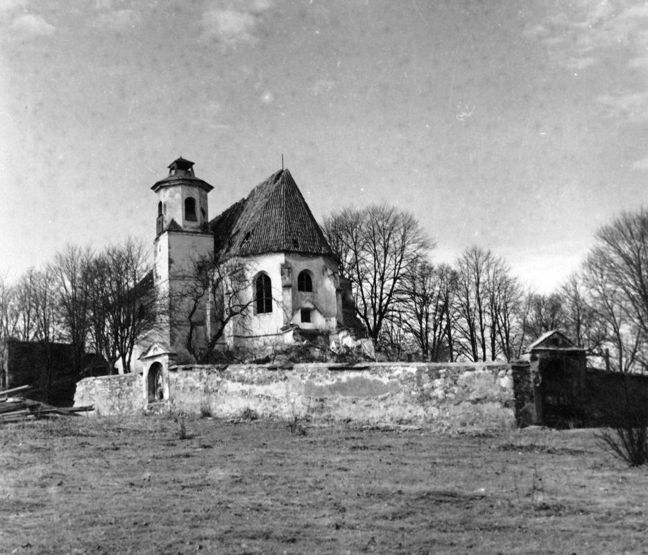 Svatá Anna s farní zahradou v roce 1966