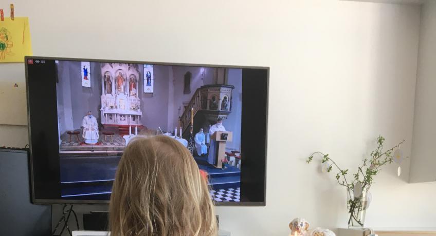 Velikonoce bez kněze na obrazovce