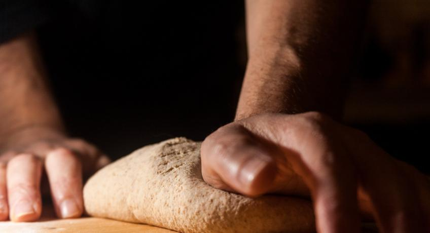 Chléb z kamenů nebo ze sebe samého?