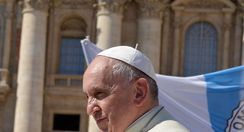 Papež radí, jak se zpovídat během koronaviru !!