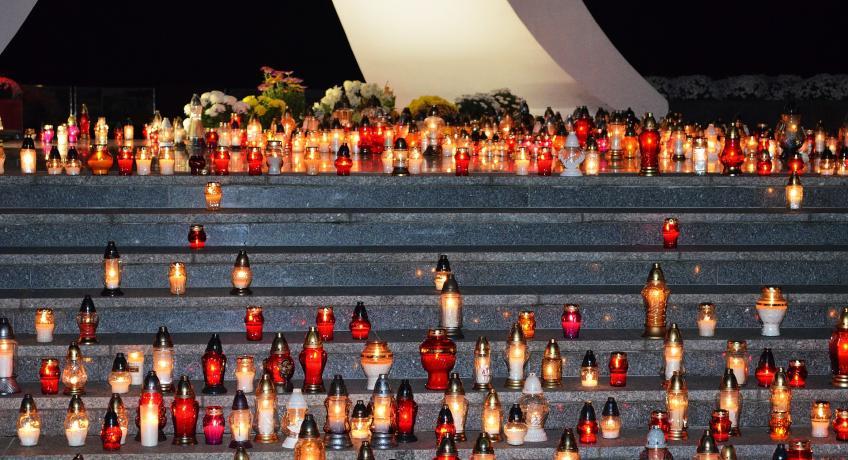 Vzpomínka na všechny věrné zemřelé  - 2.11.2o2o ZÁZNAM