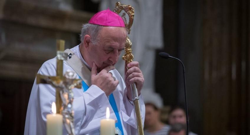 Po týdnu hospitalizace se stav arcibiskupa Graubnera pomalu zlepšuje