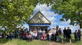Májová minipouť ke kapličce na Příluku v neděli 16. května 2021