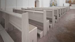 Kostelní lavice